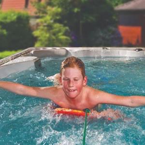 basen jacuzzi swim stream 14